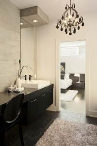 Salle de bain des maîtres de style contemporain